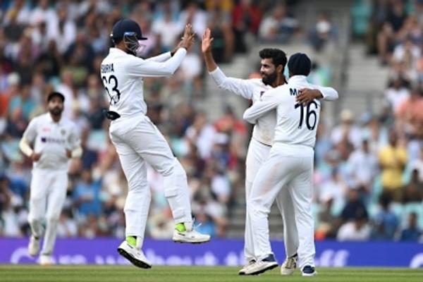 भारत ने चौथे टेस्ट मैच में इंग्लैंड को 157 रनों से हराया