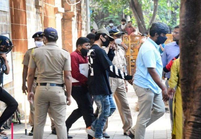 Mumbai Raid: शाहरुख खान के लाडले आर्यन खान को नहीं मिली राहत, 7 अक्टूबर तक NCB कस्टडी में रहेंगे